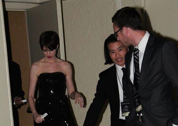 Helping_with_Anne_Hathaway_at_CAS_Awards